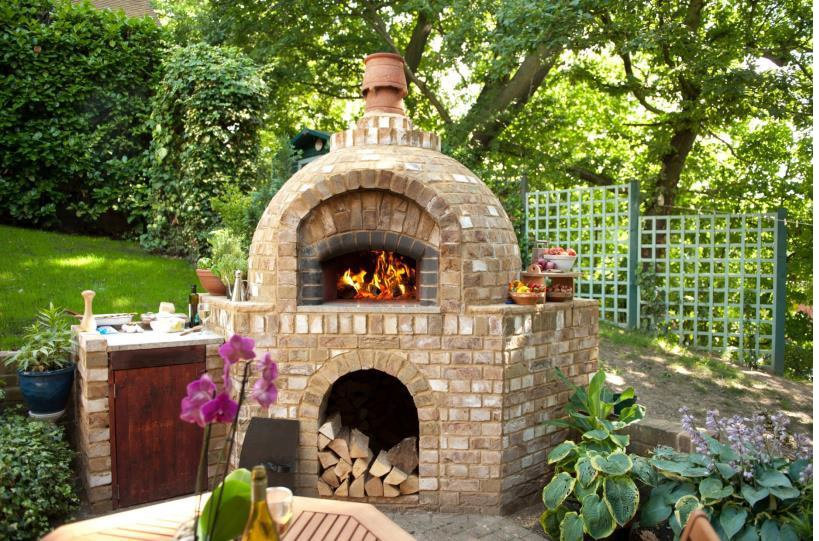 Why Does A Wood Fired Oven Need A Chimney It S For More Than The Look